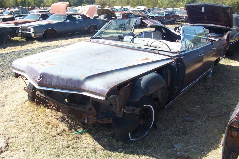 1966 Cadillac Fleetwood Parts Car 1