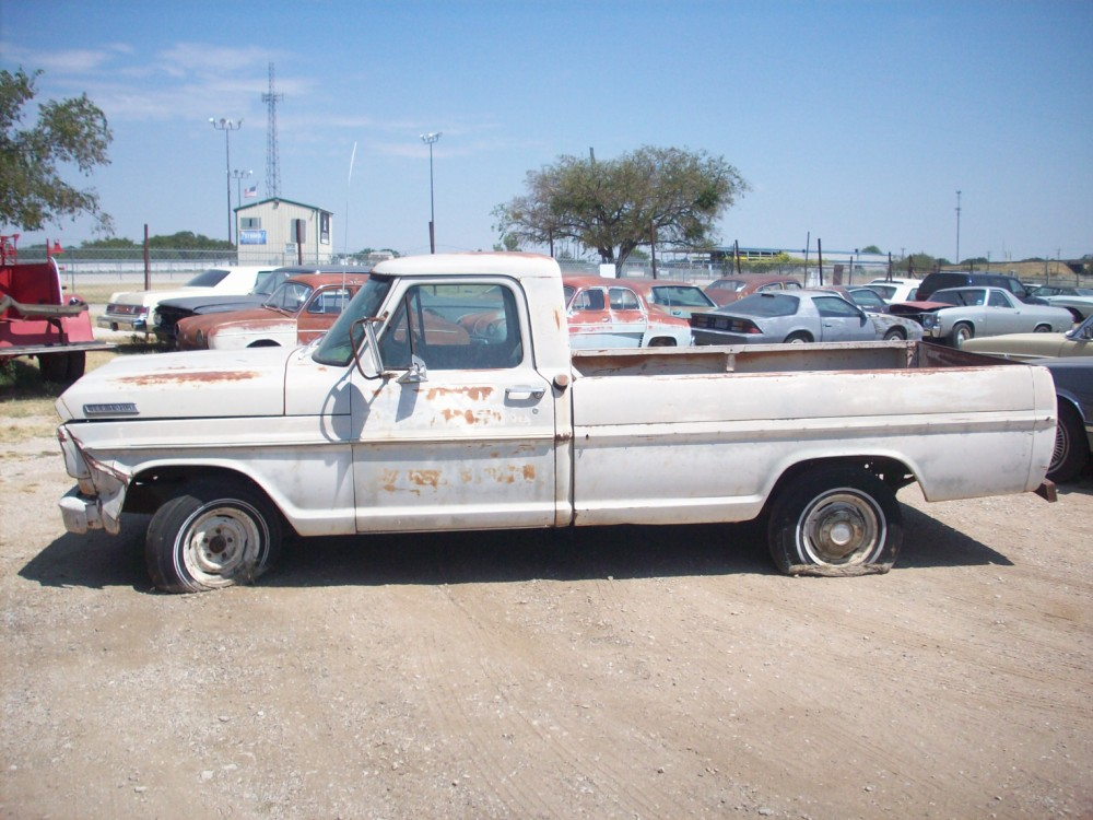ford and parts carpenter for cushman truck