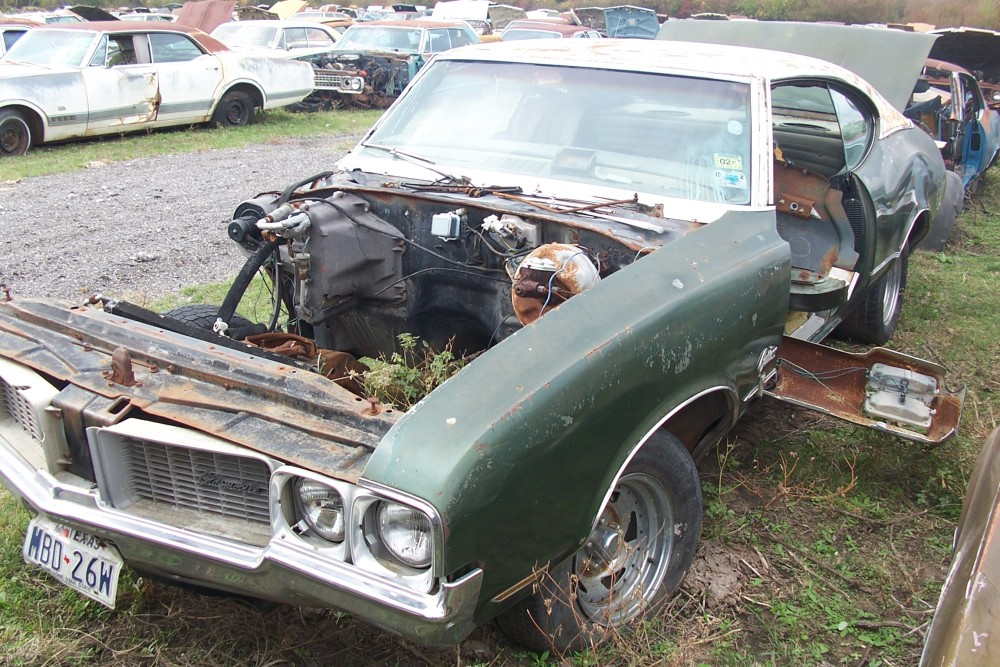 1970 Oldsmobile Cutlass S Parts Car 2