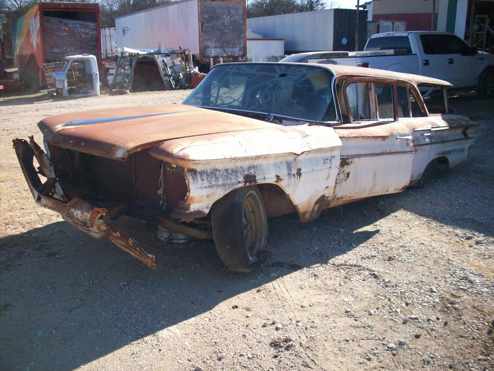 1960 Pontiac Catalina Wagon Parts Car 3